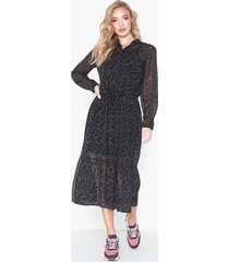 moss copenhagen rosalie maxi dress aop loose fit dresses