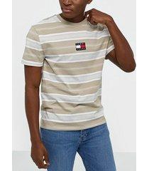 tommy jeans tjm stripe logo tee t-shirts & linnen stone