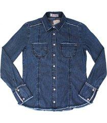 camisa jeans com desfiados azul