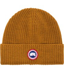 canada goose logo-patch ribbed-knit beanie - yellow