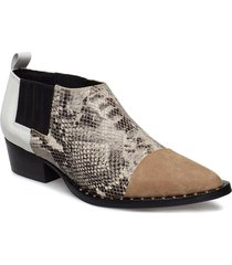 payton shoes so19 shoes boots ankle boots ankle boots with heel svart gestuz