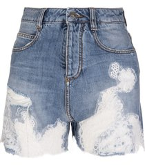 bermuda in blue jeans with white lace