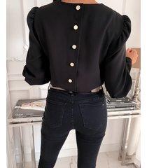 blusa manga larga con botones negros diseño puff