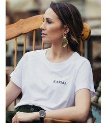 t-shirt z haftem karma