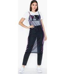 nly trend shimmer slip dress loose fit