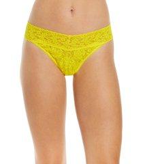 women's hanky panky regular rise lace thong, size one size - yellow