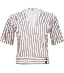 blusa con botones en costado color blanco, talla 6
