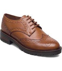 feliks snörade skor låga brun dune london