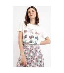 """t-shirt feminina mindset fresh fruits"""" manga curta decote redondo off white"""""""