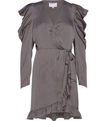 laura wrap dress dresses cocktail dresses grå designers, remix