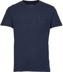 ultimate pocket tee t-shirts short-sleeved blå lee jeans