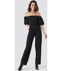 na-kd party off shoulder puff sleeve jumpsuit - black
