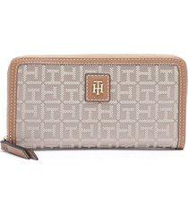 billetera lg zip wallet camel tommy hilfiger