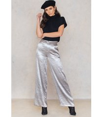 na-kd party metallic flared pants - silver