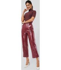 afj x na-kd patent pants - red