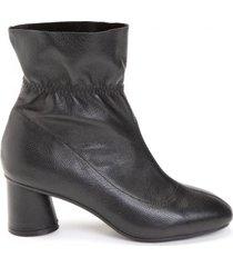 amaro feminino bota cano curto couro elástico, preto