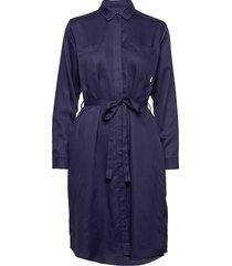 aava dress knälång klänning blå makia