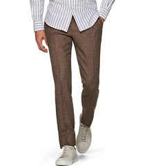 men's suitsupply brentwood pleated tweed wool dress pants, size 42r - brown