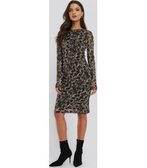 na-kd trend gathered waist mesh dress - brown