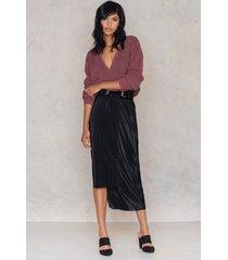 na-kd party pleated asymmetric skirt - black