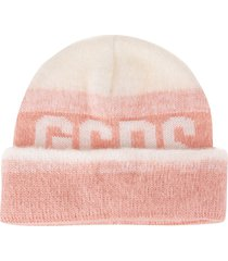 woman pink gcds hat with degrade effect
