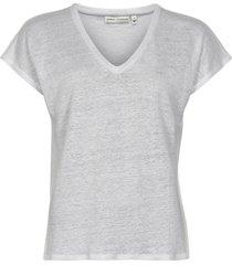 faylinn v t-shirt