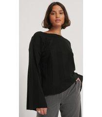 na-kd ribbstickad croppad tröja - black