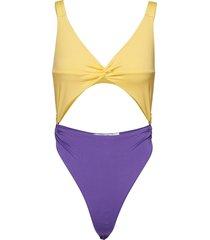 twist front swimsuit baddräkt badkläder gul ivyrevel
