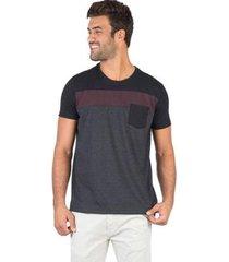 camiseta com bolso taco masculina