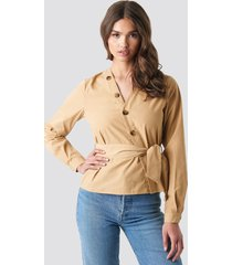 na-kd asymmetric buttoned blouse - beige