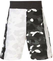 a bathing ape® camouflage pattern shorts - white