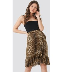 na-kd trend overlap leo skirt - multicolor
