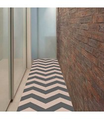 passadeira chevrom cinza com bege casa dona antiderrapante 66x240cm - incolor - dafiti