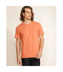 camiseta masculina básica com bordado manga curta gola careca laranja