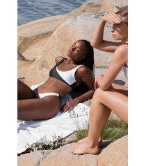 hunkemöller bikini med rygglös topp 2tone hkm x na-kd vit