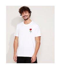 camiseta masculina bordado de flor manga curta gola careca branca