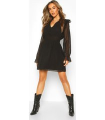 dobby skater jurk met geplooide taille en knopen, zwart