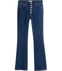 korta bootcut jeans med synlig knäppning