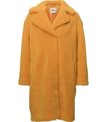 camille coocon coat outerwear faux fur geel stand studio