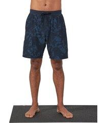 manduka men's performance classic rise shorts - navy tie dye navy blue tie dye - x-large spandex