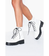 nly shoes perfect lace boot flat boots white/black
