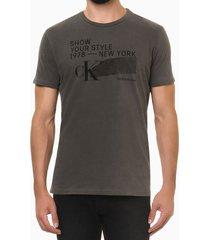 camiseta masculina estampa show your style chumbo calvin klein jeans - m