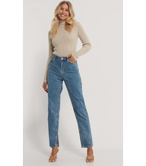 na-kd reborn ekologiska jeans med slits i sidan - blue