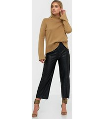gina tricot holly pu culotte trousers byxor