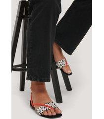 na-kd shoes fyrkantiga sandaler med två remmar - red