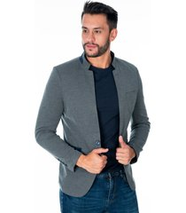 blazer cuello mao gris oscuro tres bolsillos frontales y apliques azules