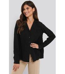na-kd classic pleated blouse - black