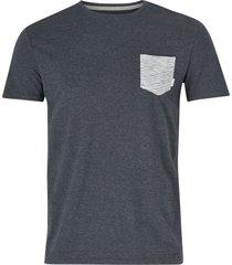 t-shirt choppy day