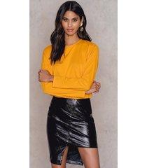 na-kd party asymmetric pu skirt - black