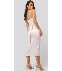 na-kd party cross back belted dress - pink